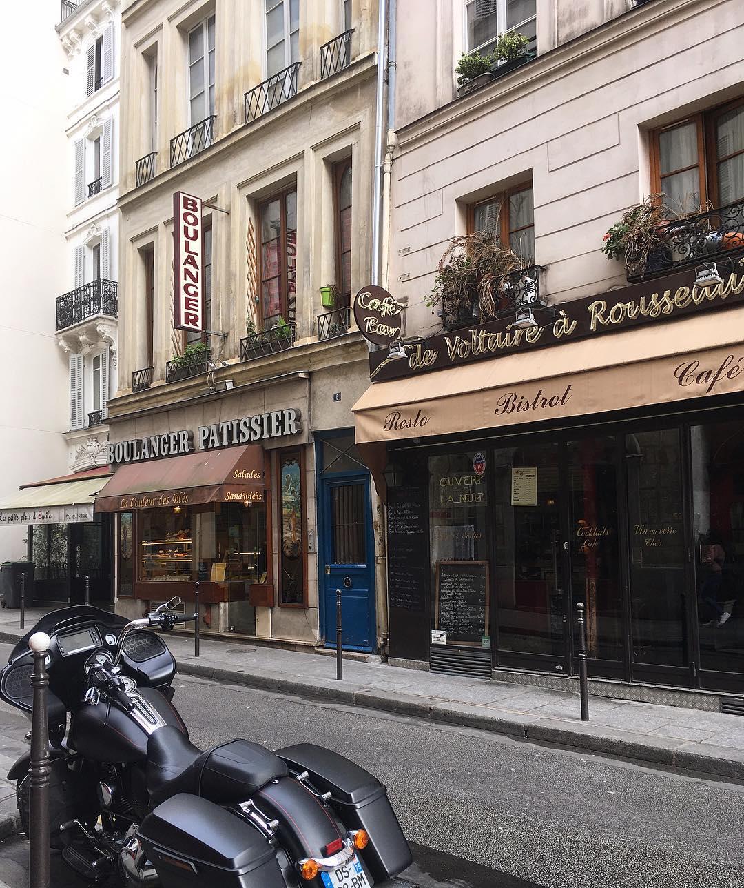 CHARME Cute streets and cafs in Paris  cuteee eatingnonstophellip